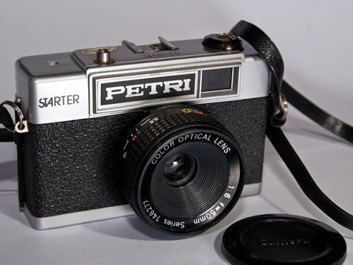640px-Petri_Starter_35mm_camera